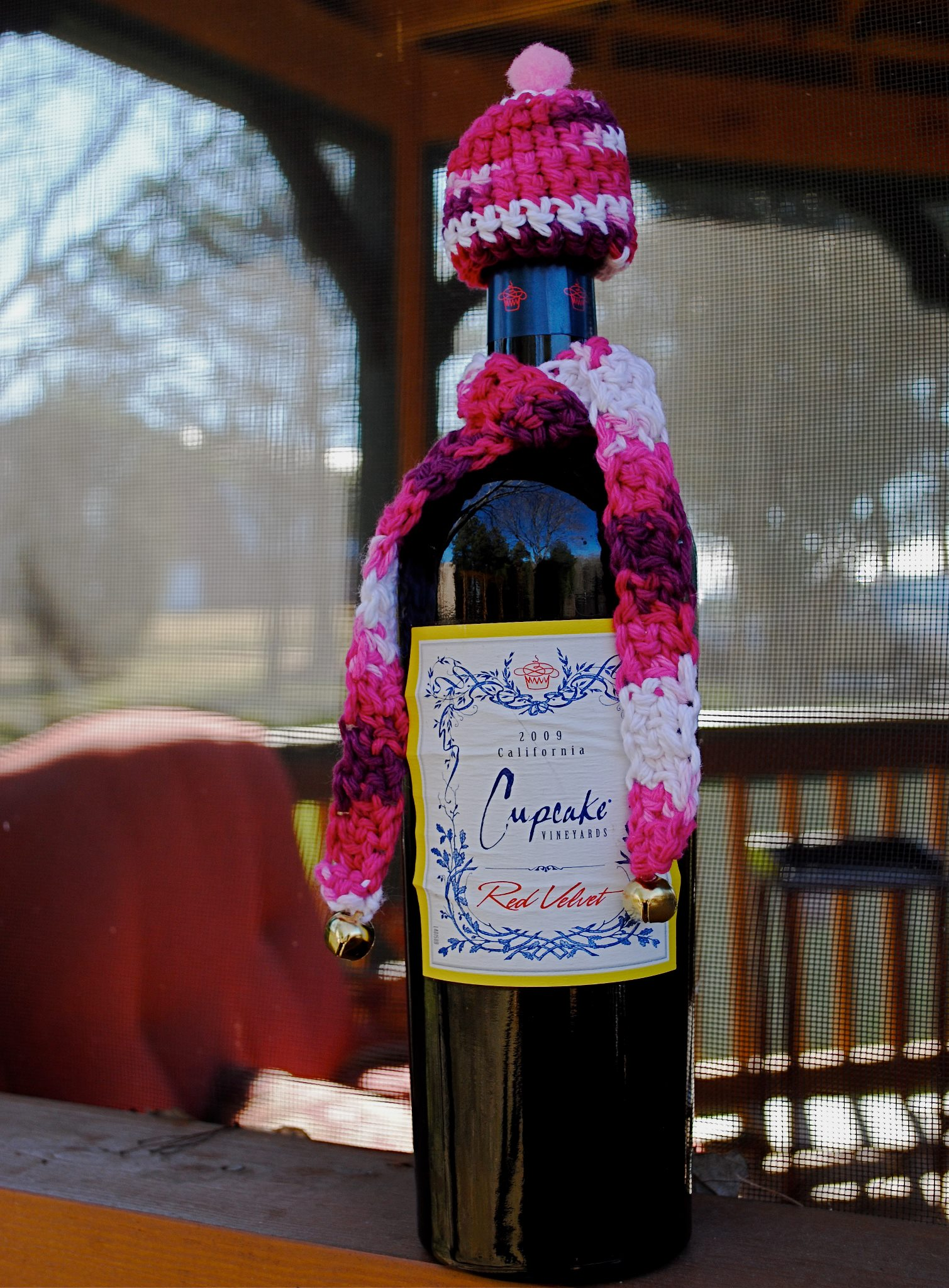 Dress up your wine for a warm Valentine's night…